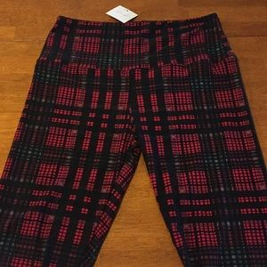 e725599b Boutique Leggings Plus Size 12-20 Very Soft Tartan